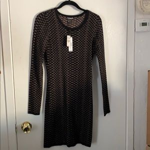 Sweater dress black with gold print